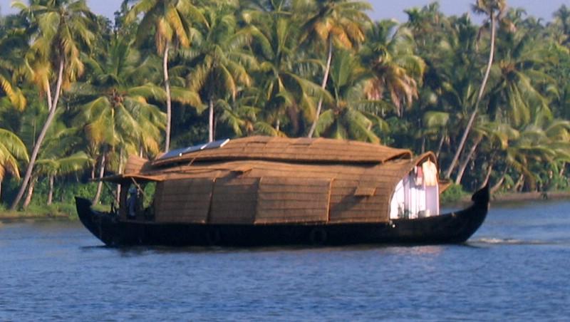 Kerala kettuvallom